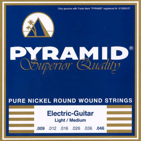 Pyramid string set